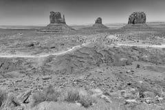 Westen und Osthandschuh Buttes im Mounment-Tal-Park, USA Lizenzfreies Stockfoto