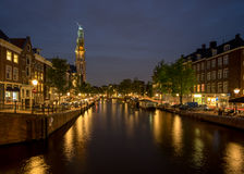 Westerkerk教会在阿姆斯特丹在晚上 库存图片