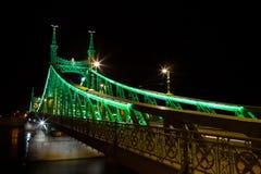 Western strona łączy Budę i zarazy przez Dunabe rzekę w Budapest swoboda most, Węgry Zdjęcie Royalty Free