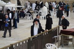 Orthodox Jews at Western Wall in Jerusalem Royalty Free Stock Images