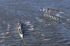 Westerville在查尔斯赛船会人` s青年时期Eights头离开了东湾Rowingcenter拉伊高Schoolright竞选  图库摄影