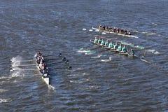 Westerville dejó a bahía del este Rowingcenter Rye las altas razas de Schoolright en el jefe de la juventud Eights del ` s de Cha Imagenes de archivo