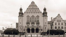 Westfassade von Adam Mickiewicz University Lizenzfreies Stockfoto