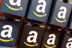 Westfield -大约2018年8月:亚马逊礼品券 改良 com现在拥有$1十亿价值其他公司x 免版税库存图片