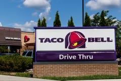Westfield - Circa Juli 2018: Kleinhandels het Snelle Voedselplaats van Taco Bell Taco Bell is een Dochteronderneming van Yum! Mer stock foto