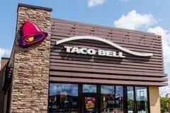 Westfield - Circa Juli 2018: Kleinhandels het Snelle Voedselplaats van Taco Bell Taco Bell is een Dochteronderneming van Yum! Mer royalty-vrije stock afbeeldingen