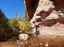 Westgabel-Eichen-Nebenfluss. Stockfotografie