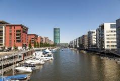 Westhafen塔在港口区域在法兰克福 免版税库存图片