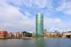 Westhafen-Turm im Hafenbereich in Frankfurt an Fluss Hauptleitung Stockbild