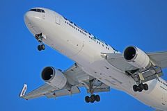 WestJet Boeing 767-300ER C-FOGT sista inställning till Toronto Pearson Arkivfoton