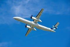 WestJetbombardier Q400 vliegtuig het opstijgen Stock Fotografie