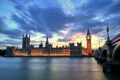 Westminster abbotskloster med Big Ben, London Arkivbild
