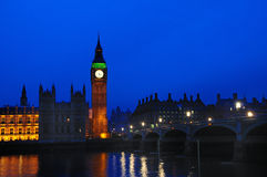Westminster bridge night scene Royalty Free Stock Photos