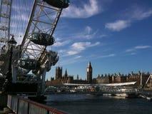 Westminster från grund av det London ögat Royaltyfri Fotografi