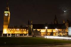 Westminster la nuit image libre de droits