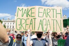 WESTMINSTER, LONDON/ENGLAND- 1 September 2020: MAKE EARTH GREAT AGAIN sign at Extinction Rebellion protest