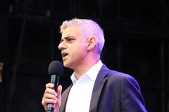 Westminster London, UK 16th Oktober, 2016 Borgmästaren av London Sadiq Khan öppnar festival av Dewali på Trafalgar Square Royaltyfria Bilder