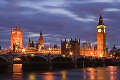 Westminster på natten Arkivfoto