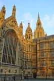 Westminster: peaky Kontrolltürme des Parlaments, London Lizenzfreie Stockbilder