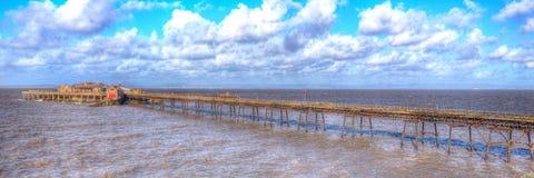 Weston-супер-конематка Сомерсет Англия пристани Birnbeck в красочном HDR Стоковое фото RF