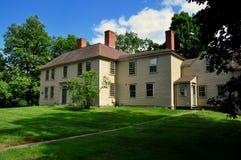 Weston, mA : 1768 historiques taverne d'or de la boule Photographie stock libre de droits
