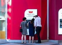 Westpac ATM, Сидней, Австралия стоковые изображения rf