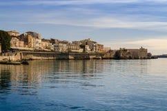 Westpromenade der Insel von Ortigia lizenzfreies stockbild