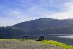 Westwood jezioro podczas spadku w Nanaimo, BC, Kanada fotografia royalty free