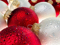 Wet Christmas baubles Royalty Free Stock Photography