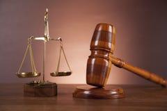 Wet en rechtvaardigheidssamenstelling met donkere achtergrond Royalty-vrije Stock Afbeelding