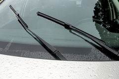 Free Wet Windshield Reflections Patterns Textures And Wiper Blades Stock Photography - 80123752