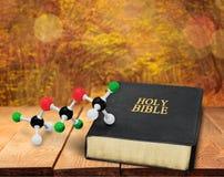 Wetenschap en godsdienst stock foto