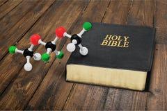 Wetenschap en godsdienst royalty-vrije stock foto's