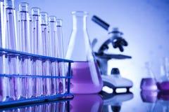 Wetenschapsconcept, Chemisch laboratoriumglaswerk royalty-vrije stock fotografie