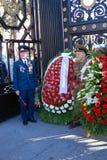 Weterani wojenni pozują dla fotografii w Aleksander ogródzie w Moskwa Zdjęcia Stock