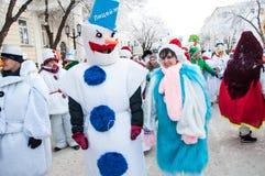 Wettbewerb des neuen Jahres von Schneemännern. Stockfotos