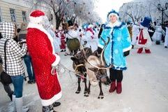 Wettbewerb des neuen Jahres von Schneemännern. Lizenzfreie Stockbilder