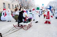 Wettbewerb des neuen Jahres von Schneemännern. Stockbild
