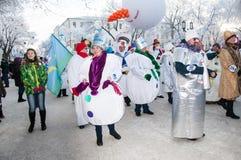Wettbewerb des neuen Jahres von Schneemännern… Lizenzfreie Stockfotos