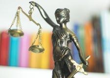 Wettelijk advocatenkantoorstandbeeld stock fotografie