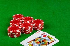 Wetten von Chips und von Blackjackhand Lizenzfreies Stockbild
