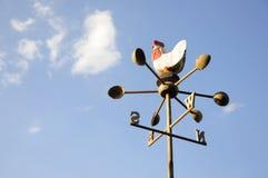 Wetterfahne im Freien mit blauem Himmel Lizenzfreie Stockfotografie