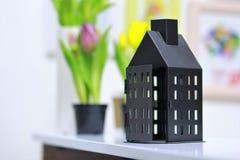 Wewnętrzna dekoracja czarna metalu domu klatka zdjęcie royalty free
