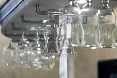 Wewnętrzna nowa luksusowa restauracja z barem, szkła zbliżenie Obraz Stock