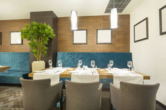 wewnętrzna nowożytna restauracja Zdjęcia Royalty Free