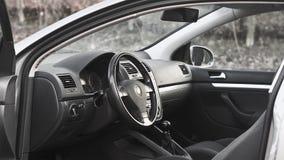 wewnętrzna samochodu w skórzany prędkość strony pojazdu Fotografia Royalty Free