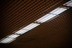 Wewnętrzni podsufitowi światła odizolowywali elektrycznej lampy fotografię obraz stock