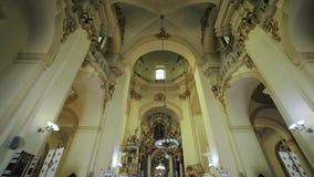Wewnętrzny dolly stary kościół zbiory wideo