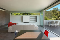 Wewnętrzny nowożytny dom, żywy pokój Zdjęcie Royalty Free
