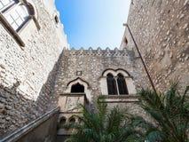 Wewnętrzny podwórze Corvaja pałac w Taormina zdjęcie royalty free